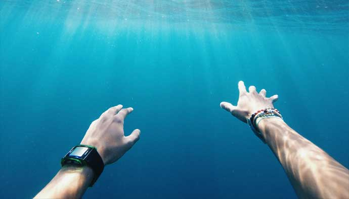 4 Best Freediving Watches: Detailed Reviews + Best Prices